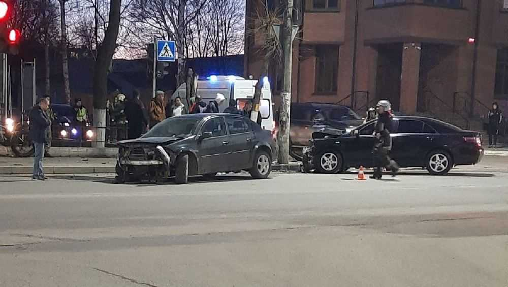 В Брянске в ДТП возле колледжа в Фокинском районе пострадал человек