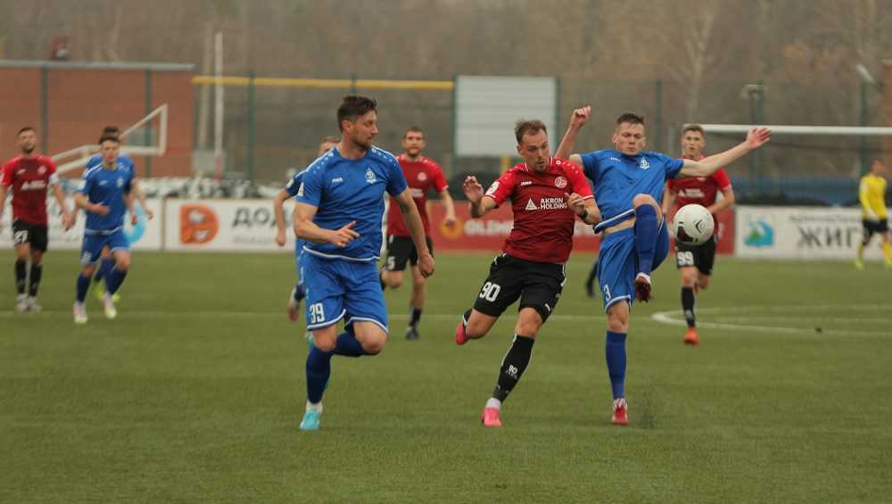Брянское «Динамо» упустило победу в матче с «Акроном»