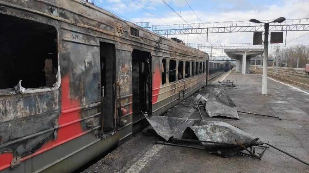 Брянские следователи стали искать причину возгорания электропоезда