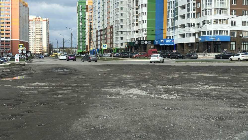 Тридцать метров разбитой дороги стали позором брянских чиновников