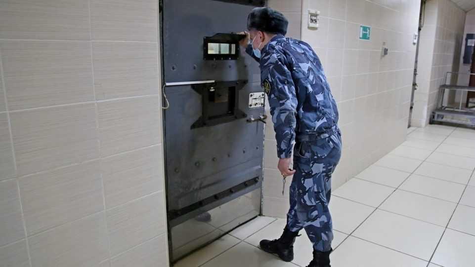 Брянец похитил у жителя Севастополя банковскую карточку
