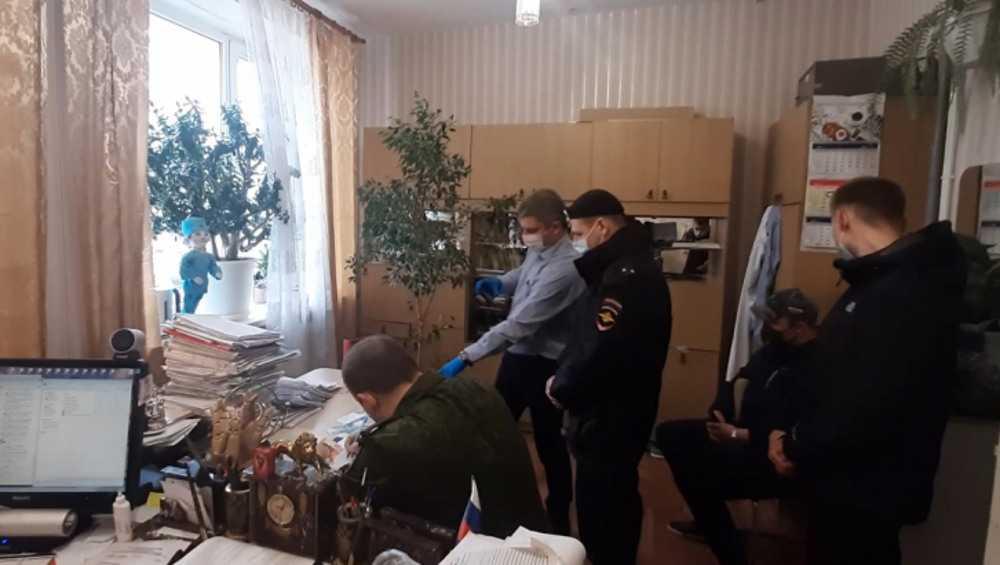В Брянске отпустили часть задержанных за мошенничество патологоанатомов