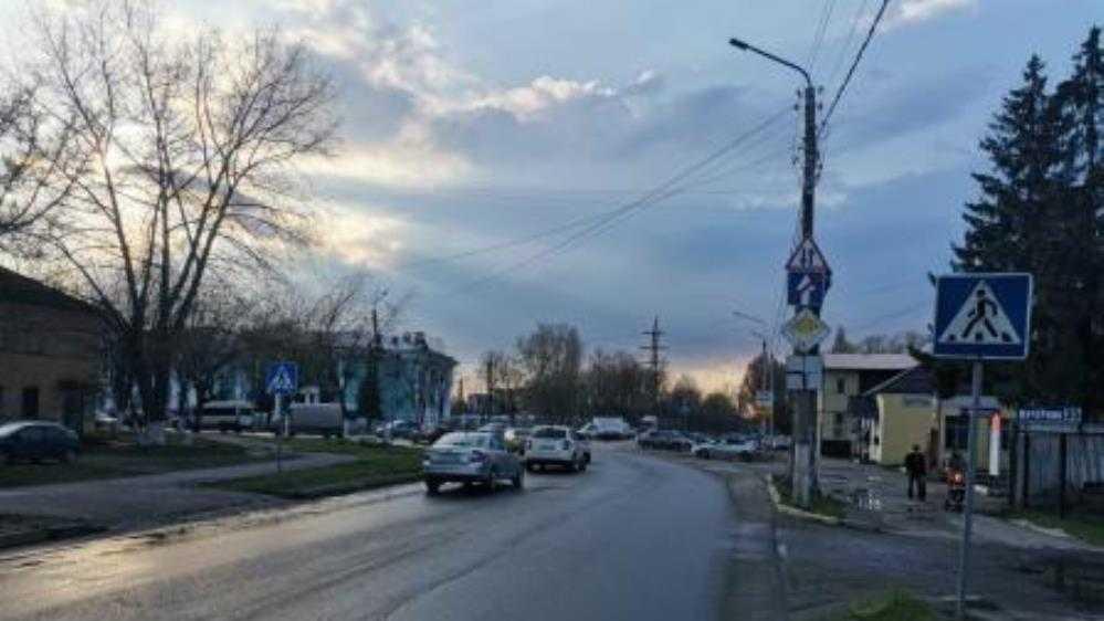 В Брянске водитель Kia сбил женщину на пешеходном переходе