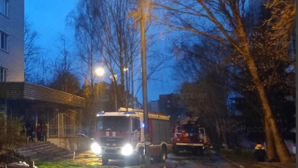 В Брянске из загоревшейся цирковой гостиницы эвакуировали 39 человек