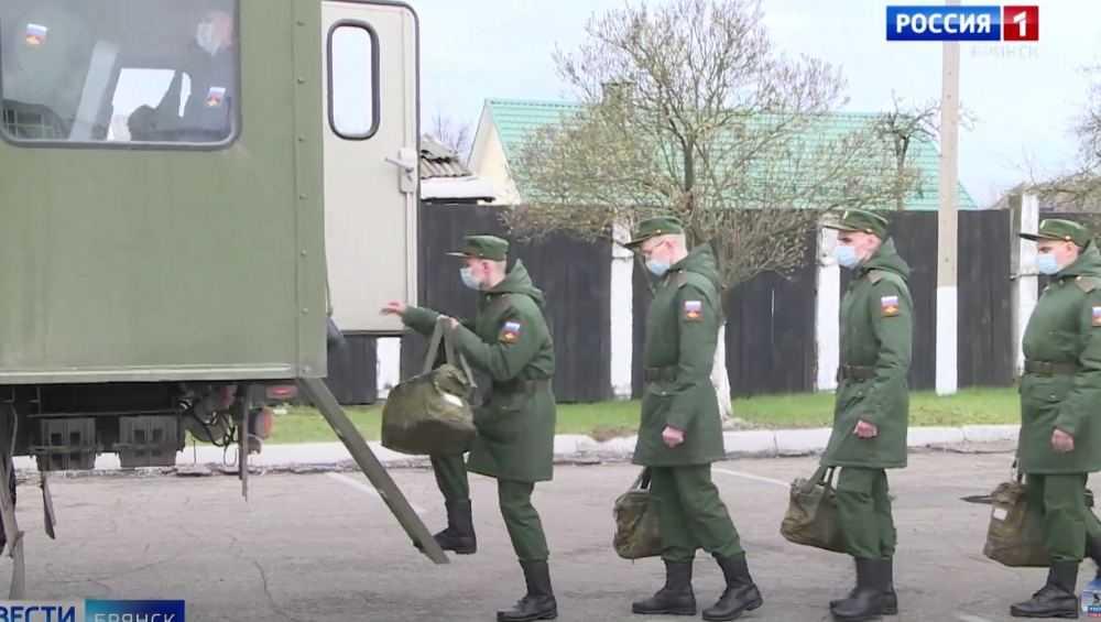 Первые 15 брянских призывников отправились к месту несения службы