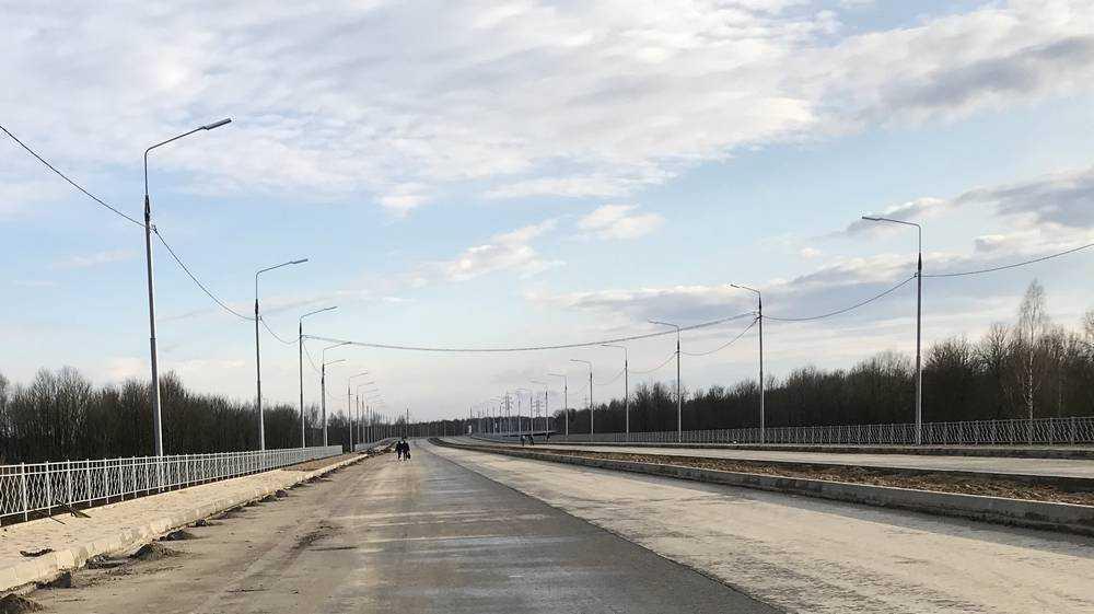 Молодежь начала гулять по новой дороге от вокзала Брянск-I до «Метро»