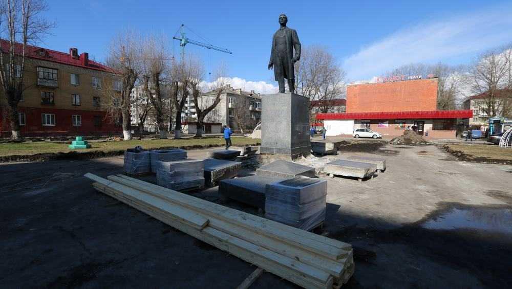 В Брянске началось благоустройство сквера возле кинотеатра «Салют»