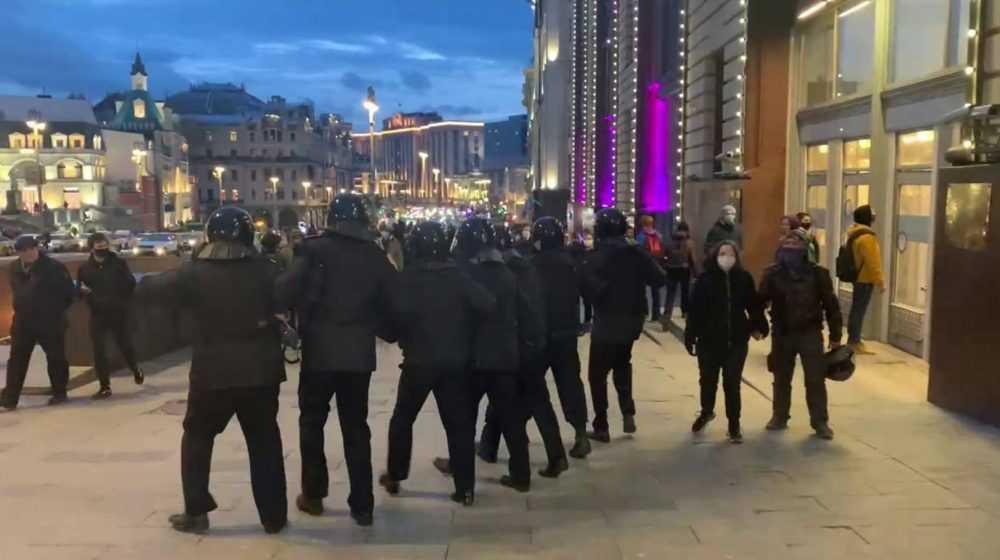 Сторонников Навального снимут с довольствия из-за позорного провала