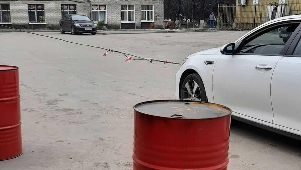 Брянских водителей возмутило открытие платной парковки возле «Кремния»