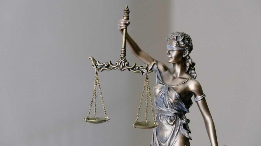 Присяжные решат судьбу обвиняемого в убийстве брянского экс-полицейского