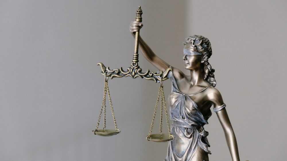 Брянский суд оставил в силе приговор обокравшему пенсионерку рецидивисту