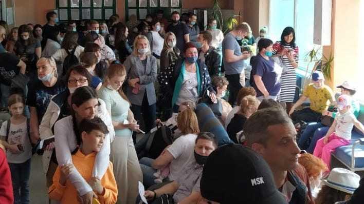 Жители Брянска пожаловались на антисанитарную обстановку в аэропорту