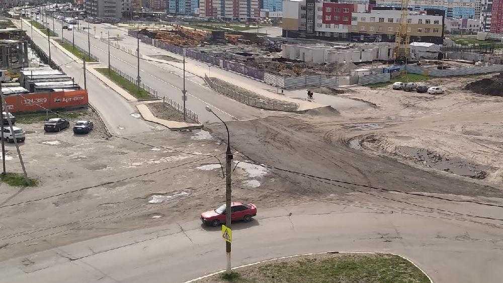В Брянске отремонтировали дорогу на перекрестке улиц Горбатова и Войстроченко