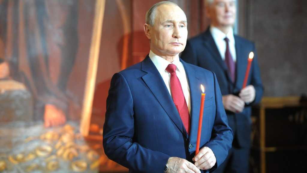 Президент Владимир Путин поздравил россиян с Пасхой