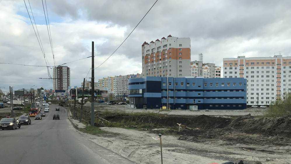 В Брянске начали расширение дороги на Объездной улице возле «Аэропарка»