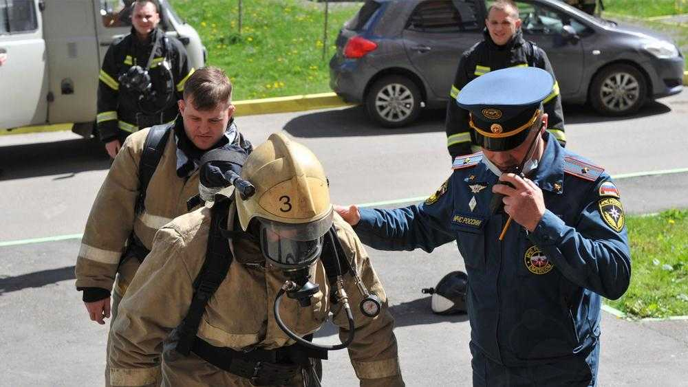 В Брянске прошёл конкурс спасателей «Вертикальный вызов»