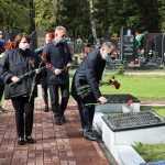 Руководители Брянска возложили цветы к воинским мемориалам