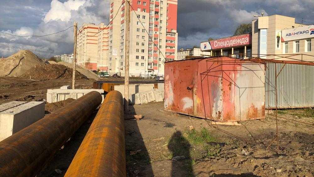 В Брянске началась подготовка к строительству дороги на Счастливой улице