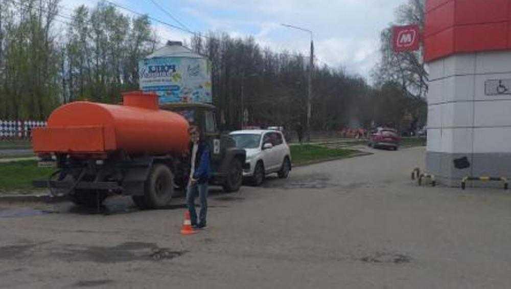 В Брянске водитель легковушки на парковке сбил 82-летнюю пенсионерку