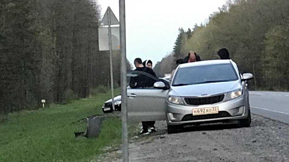 Под Брянском у поворота на Партизанскую поляну произошло серьезное ДТП
