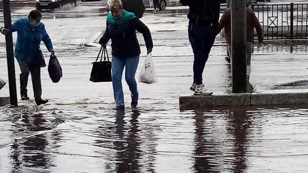 В Брянске переход возле «Линии» не оставил шансов выйти сухим из воды