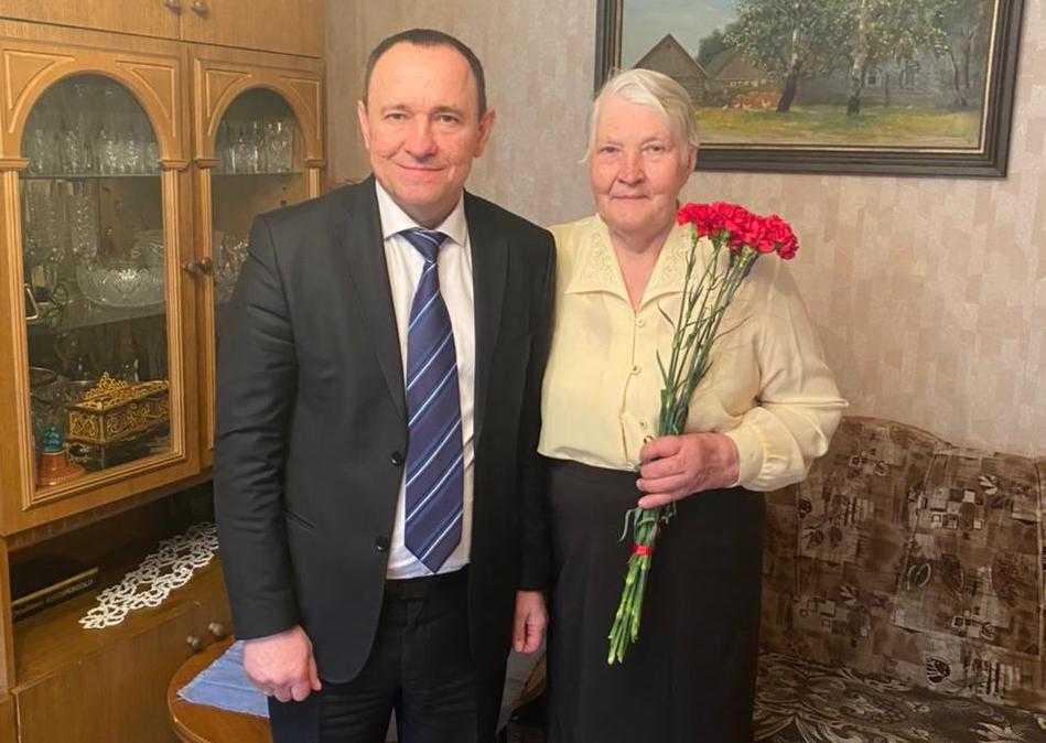 Брянские энергетики поздравили участников Великой Отечественной войны с Днем Победы