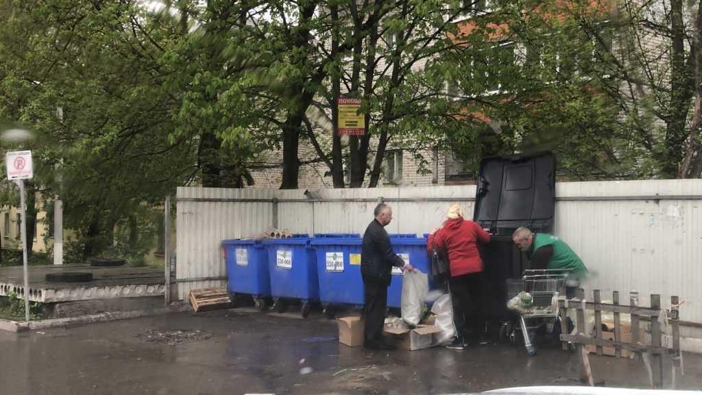 Брянской области выделили на мусорные контейнеры 42,5 млн