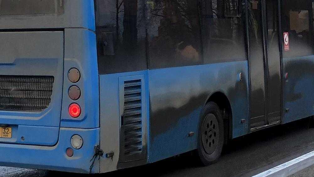 В Брянске рассказали о вечерних гонках водителя автобуса №25
