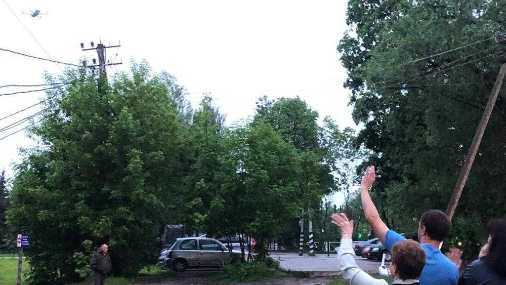 В Брянске играть свадьбы и праздновать дни рождения стали с квадрокоптерами