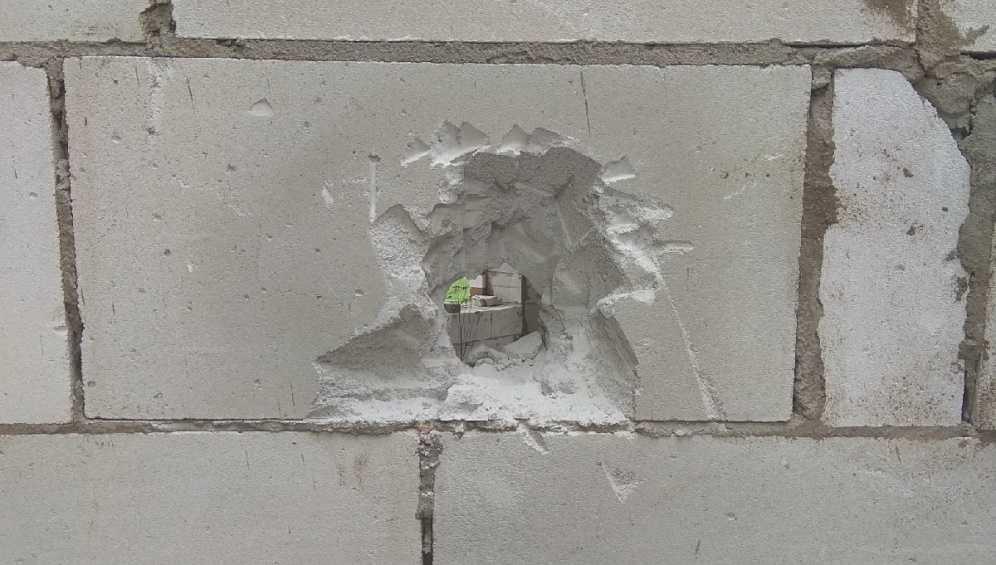 В Клинцах подростки устроили погром на стройке частного дома