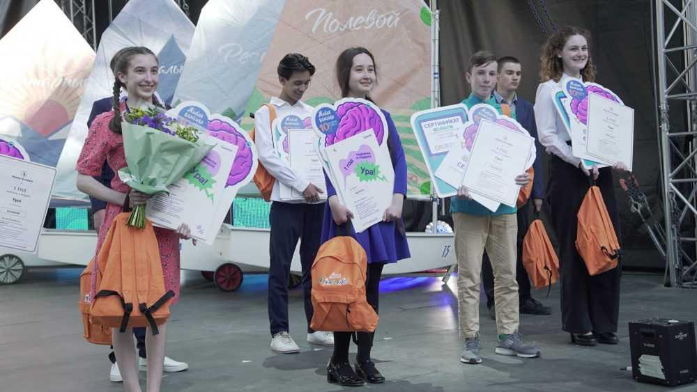 Школьница из Брянска стала лучшим чтецом страны