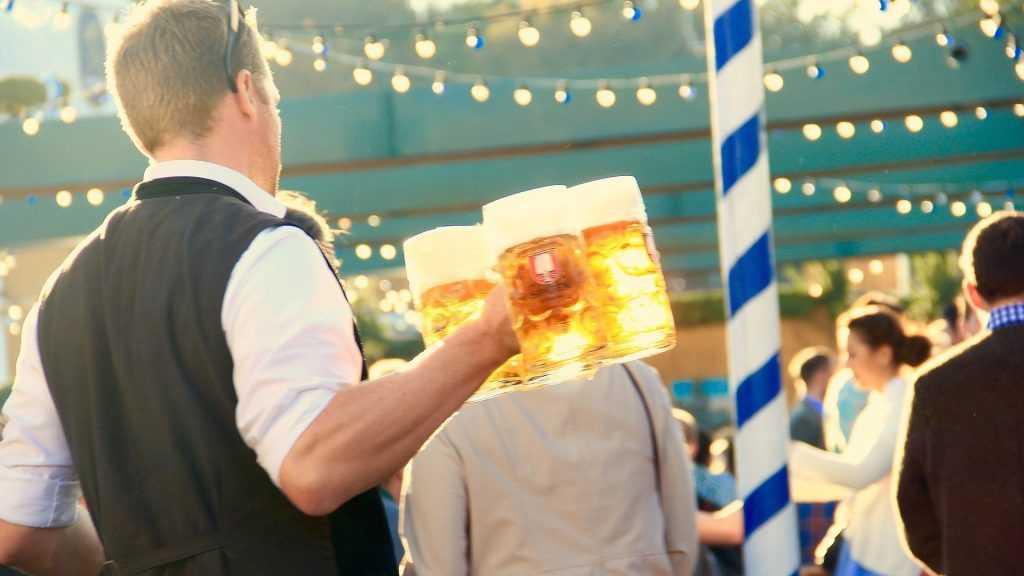 Германия планирует провести знаменитый «Октоберфест» в Дубае
