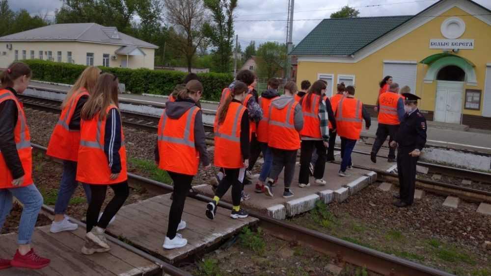 Железнодорожники напомнили автомобилистам Брянской области о последствиях нарушений правил при пересечении переездов