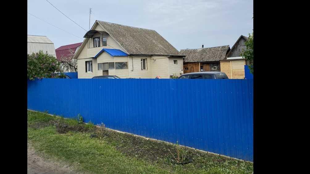 Под Жуковкой в Ржанице град разбил окна домов и повредил крышу школы