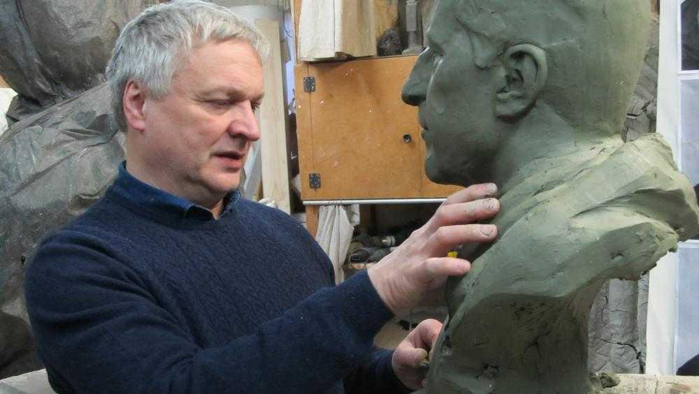 Выдающемуся брянскому скульптору Александру Ромашевскому исполнилось 60 лет