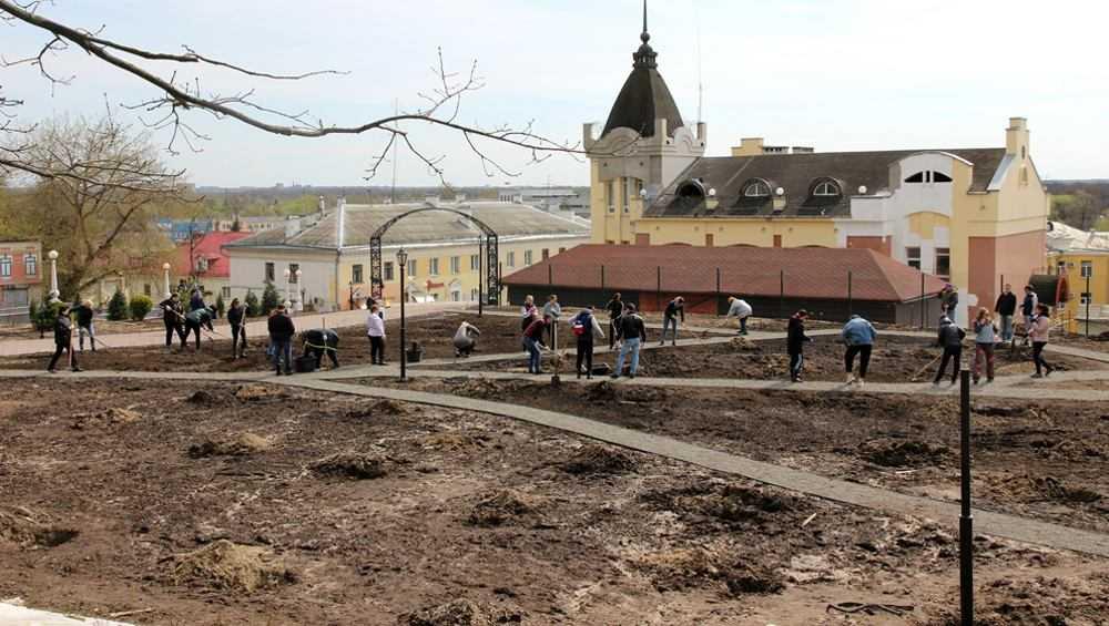 Сад Победы откроют в центре Брянска 12 мая