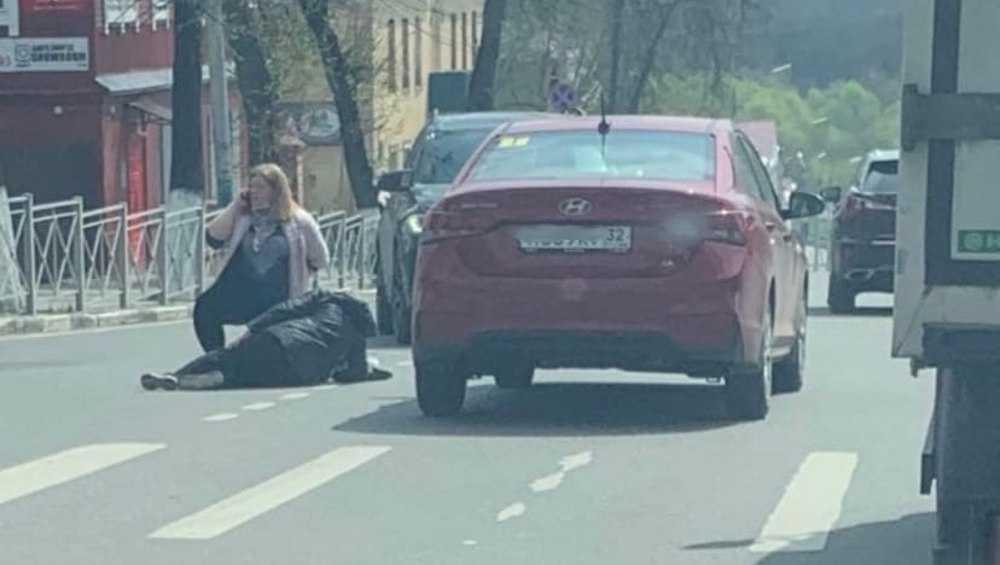 В Брянске на пешеходном переходе на улице Фокина сбили человека