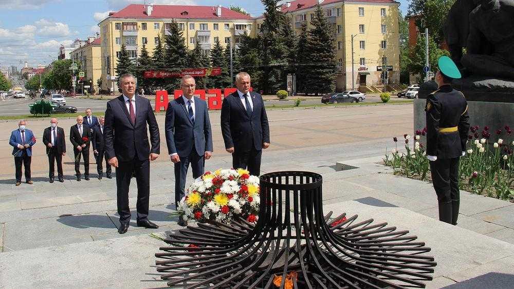 В Брянск прибыла делегация во главе с губернатором Калужской области