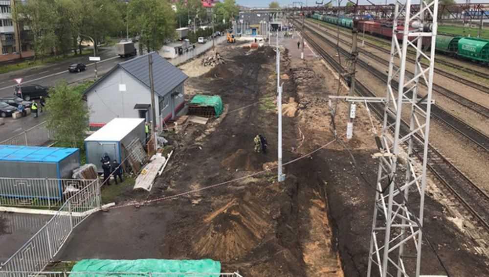 В Брянске возле железнодорожных путей выкопали артиллерийский снаряд
