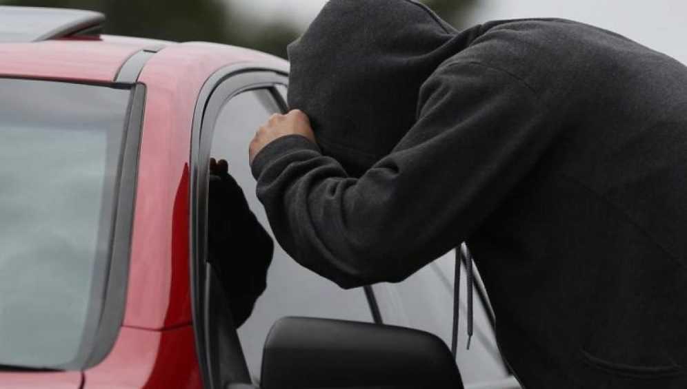 В Навле два подростка угнали припаркованный ВАЗ-2114