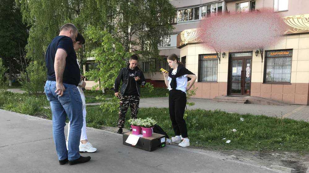 Торговцы заполонили улицы Брянска весенними ландышами