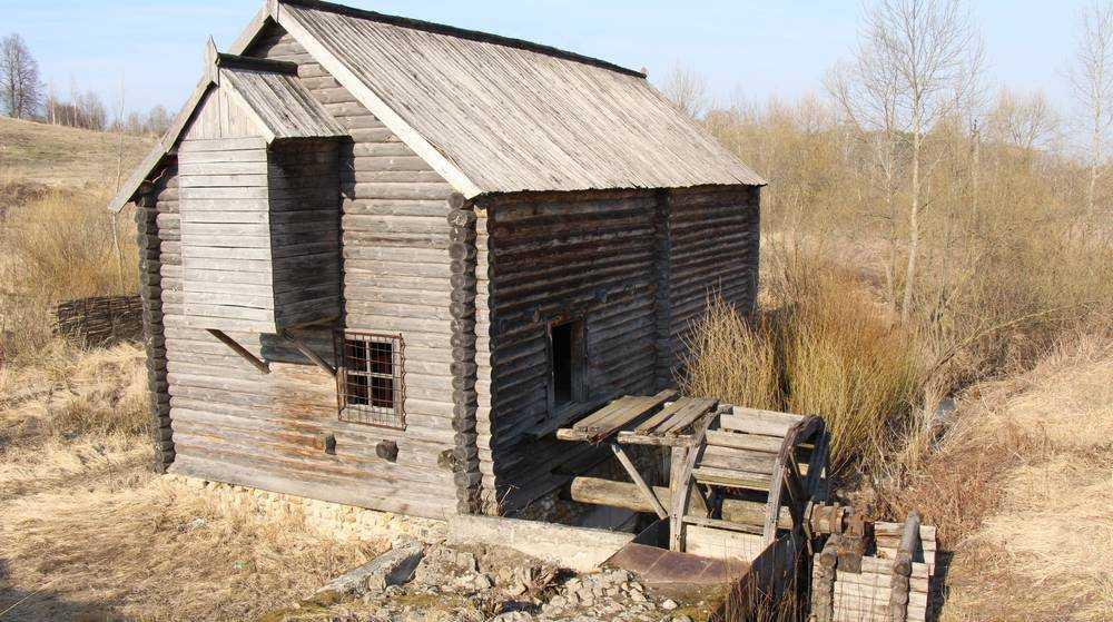 В Овстуге реконструируют единственную в Брянской области водяную мельницу