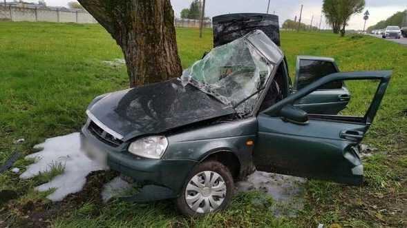 Под брянской Добрунью в ДТП погибли 26-летняя девушка и 36-летний мужчина