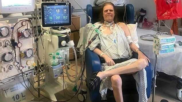 Мужчина ушел из жизни после 14 месяцев лечения от коронавируса