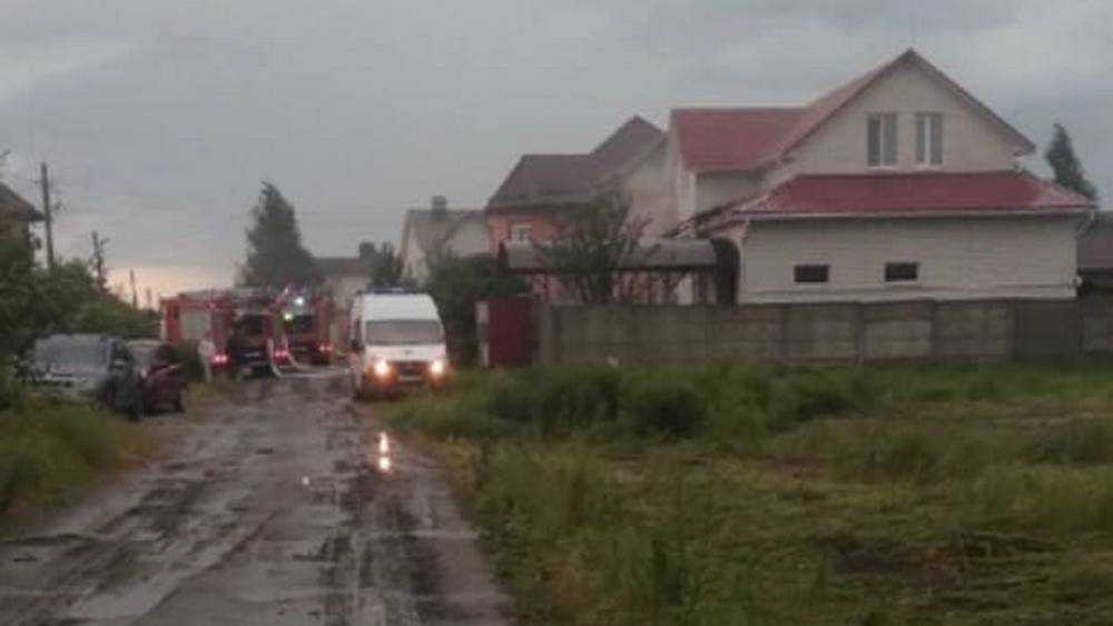 В брянском поселке Бордовичи молния попала в жилой дом