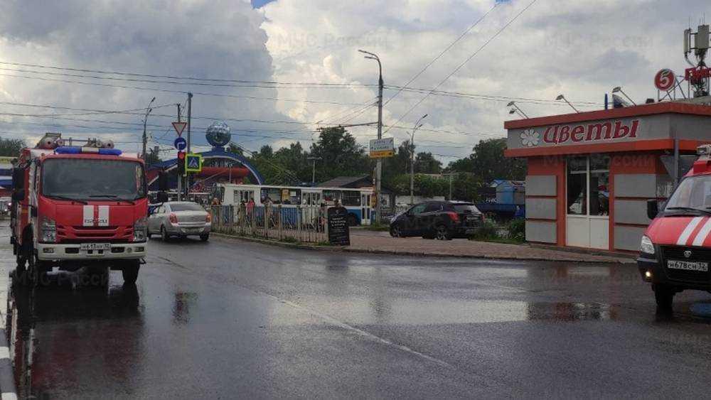 Торговый центр едва не сгорел в Московском микрорайоне Брянска