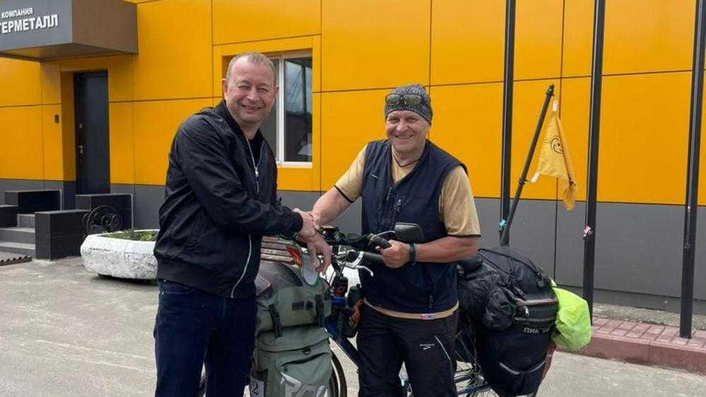 Брянский путешественник Андрей Козлов отправился на велосипеде на Алтай