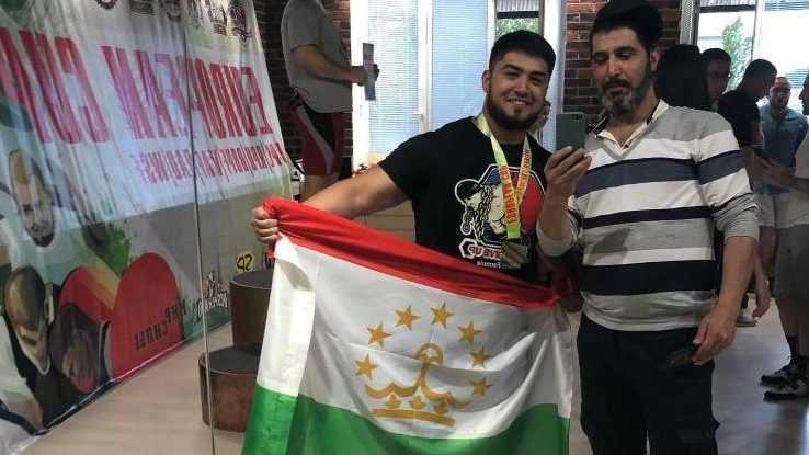 Студент Брянского техуниверситета стал победителем Кубка Европы по пауэрлифтингу