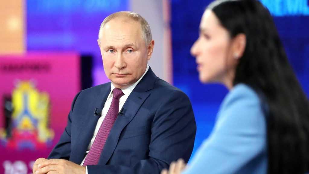 Президент Путин призвал доверять российским вакцинам