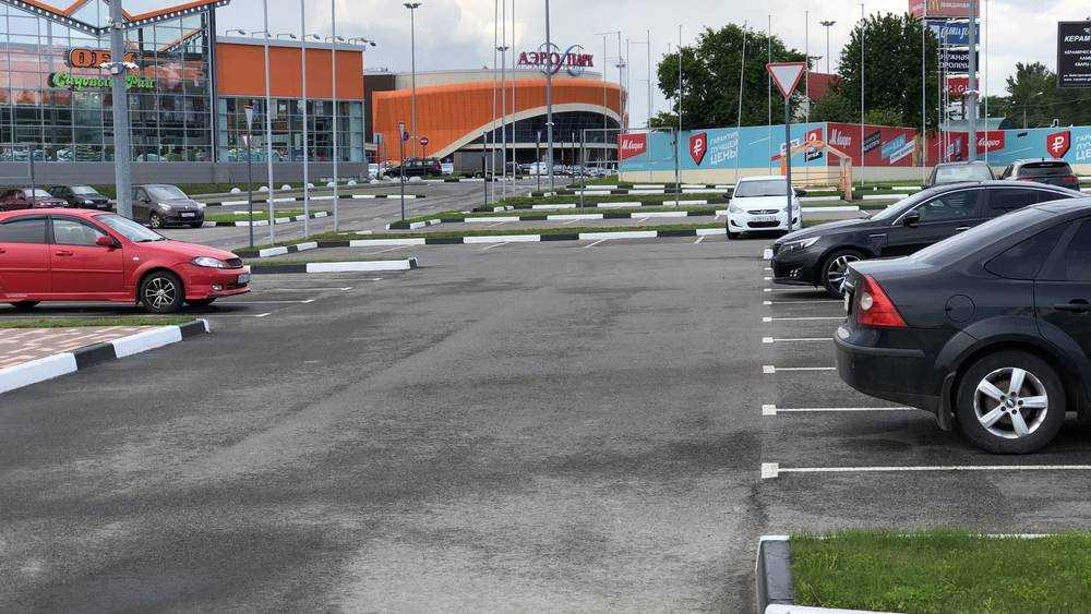 Брянские водители назвали лучшую автомобильную стоянку города